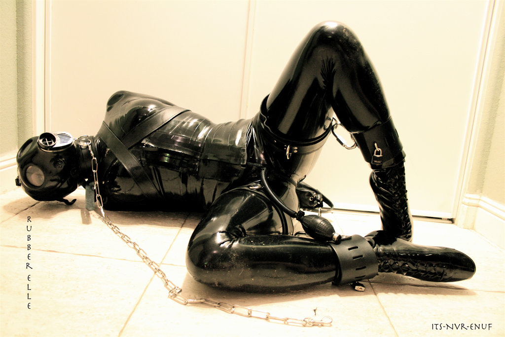 Fetish Gimp Slave In Chains On Yuvutu Homemade Amateur Porn Images And Xxx Sex Pics